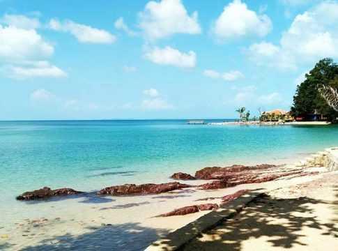 Pantai Mirota : Informasi Rute, Harga Tiket Masuk dan Penginapan