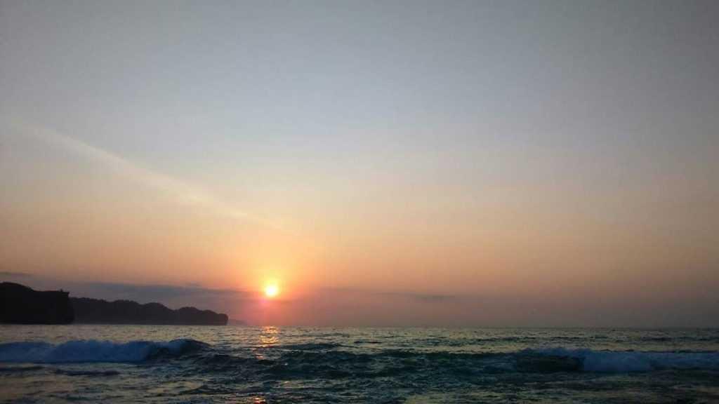 Sunset Dan Sunrise Pantai Srau