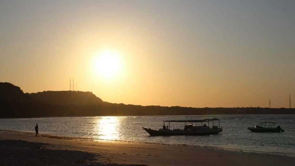Sunset di Pantai Bara