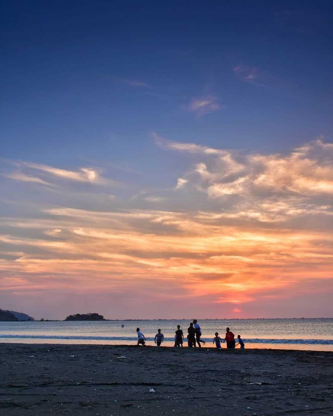 Sunset di Pantai Palangpang