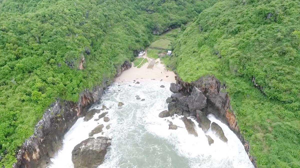 Pantai Wohkudu Informasi Rute Dan Harga Tiket Masuk