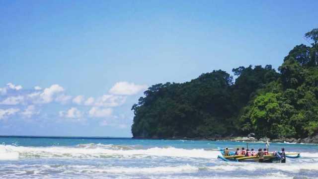 Pantai Banyu Anjlok