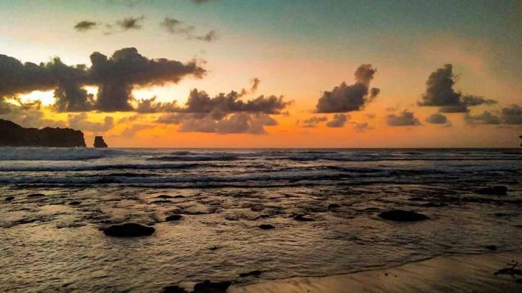 Sunset Pantai Sanggar